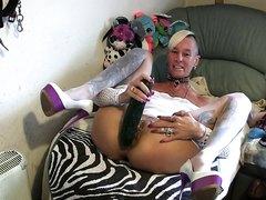 I*z*z*y Breaks Her Cunt With Huge Cucumber