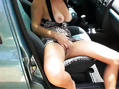 Wife with tits and pussy out in the car