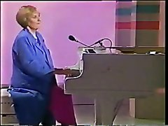 Victoria wood - A ballad to Freda and Barry (i cant do it)