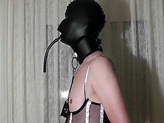 Kinky crossdresser gets a handjob from his mistress