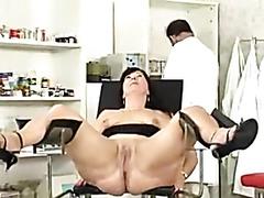 Gynecologist finger fucks his curvy mature patient