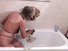 scat in pantyhose show