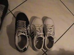 Big feet sneaker play