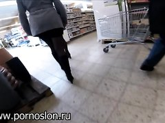 Germans Pissing in Supermarket 2