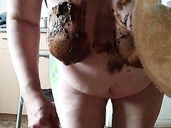 BBW licks shitty plate