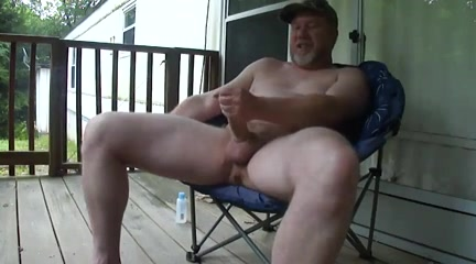 Thick Dilf Beats Off