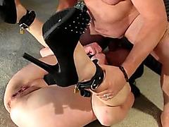 Finger fucking makes slave girl squirt