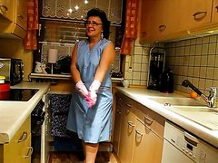 chubby mature mess in the kitchen 1
