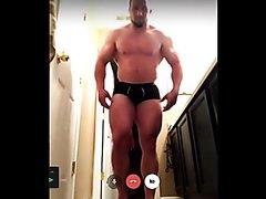 Straight Muscles : Bodybuilder Jerking Off