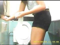 spy toilet - video 105
