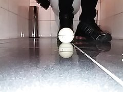 Crushing egg timer with nike shox