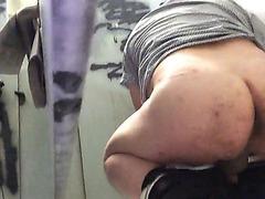 Understall Adventure014_close-up cam spying on straight guys