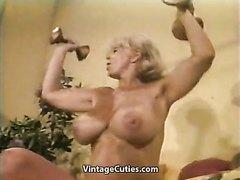 Muscular cougar!