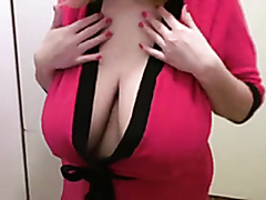 Busty BBW shows her dimensions