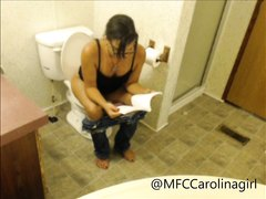 girl pooping on the toilet - video 3