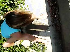 Women peeing outside - part 1