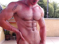 Jacobo ohmibod play on balcony