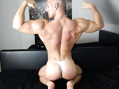 Bubble butt Aussie Mike - video 2
