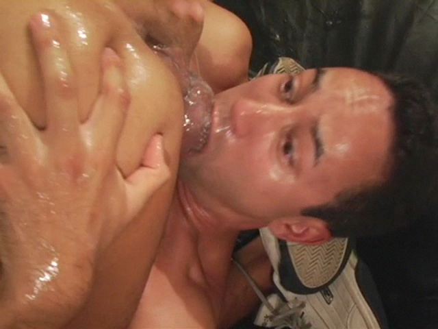 Guy sucks his own cock