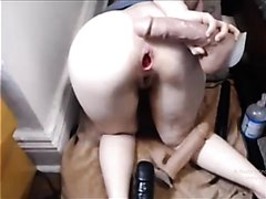 Drilling a farting rose butt