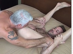daddy Mondays - HOT Factory video