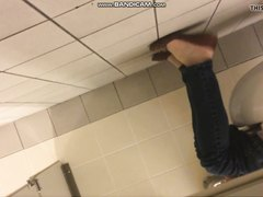 Girls pooping on the toliet - video 17