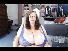 BBW Mom with huge Boobs