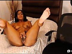 nice soles girl masturbating