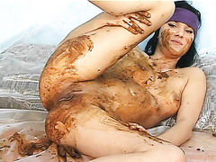 Gril pooping and smearing