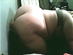Big ass fatty loves her dildo