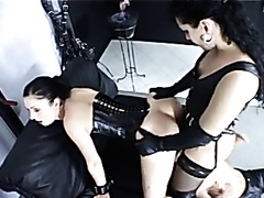 Rubber wearing Dominatrix is serious about sex