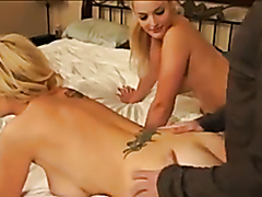 Lucky dude nails two hot blondes