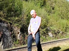 Jerking at a railway