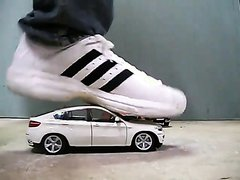 BMW X6 crush