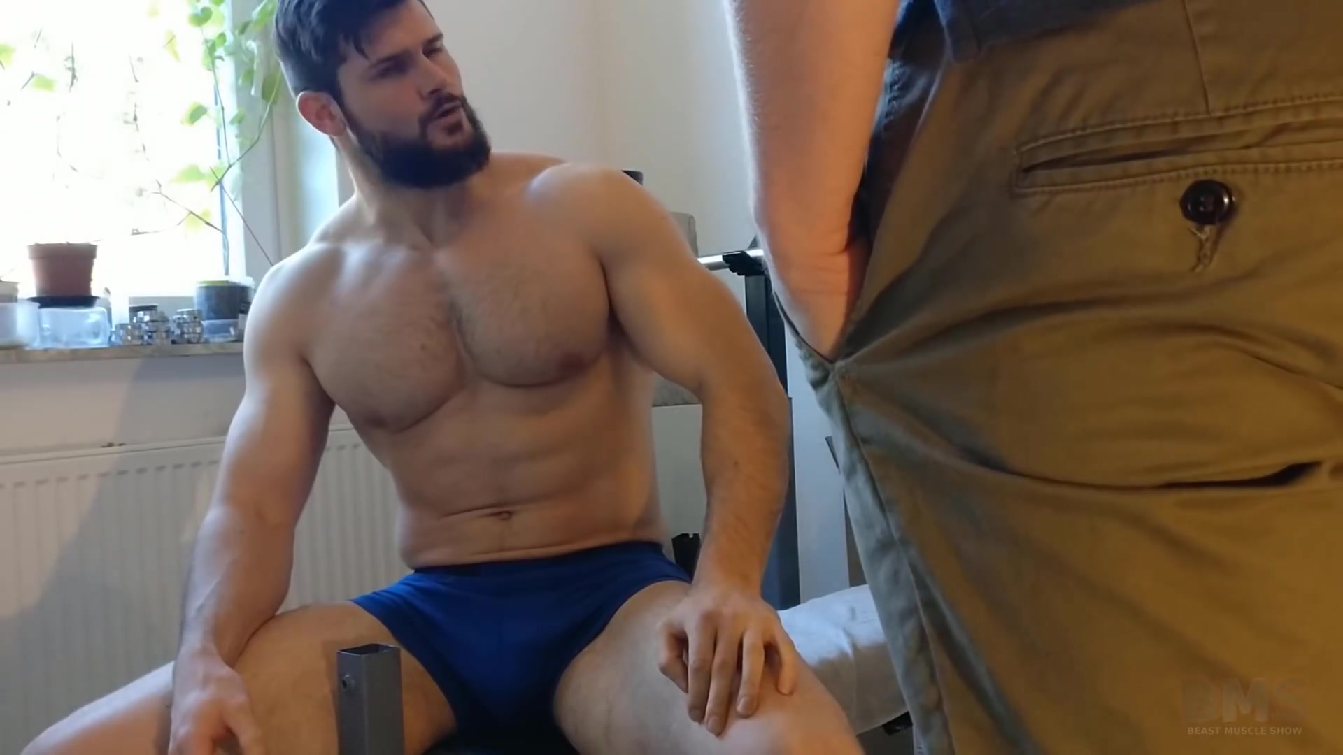 Muscle Video Gay muscle worship - video 6 - thisvid