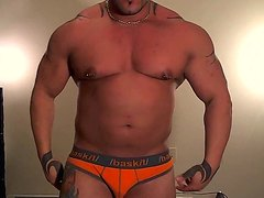 Muscle man - video 3