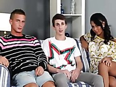 Hot slut joins two twinks for a bisexual threesome