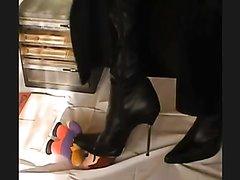 boots crush