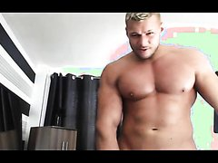 Muscle Daddy - video 8