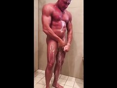 big dick muscle stud showering