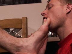 Foot Worship - video 124