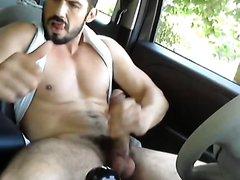 MASTURBATION I YHE CAR