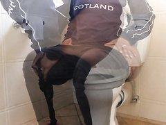 Ebony Toilet Farts