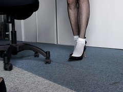 2018-07-11_1 High Heels At Work