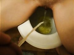 My girl and me pissing in the same bowl
