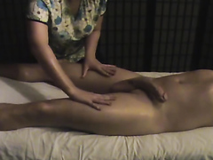 Erotic massage with a happy end