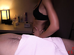 Sexy massage with a happy ending