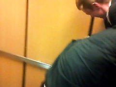 ELEVATOR WRESTLING
