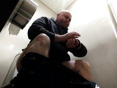 toilet hv 19- Portly man