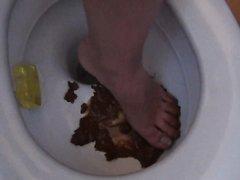 Scat & Feet 07